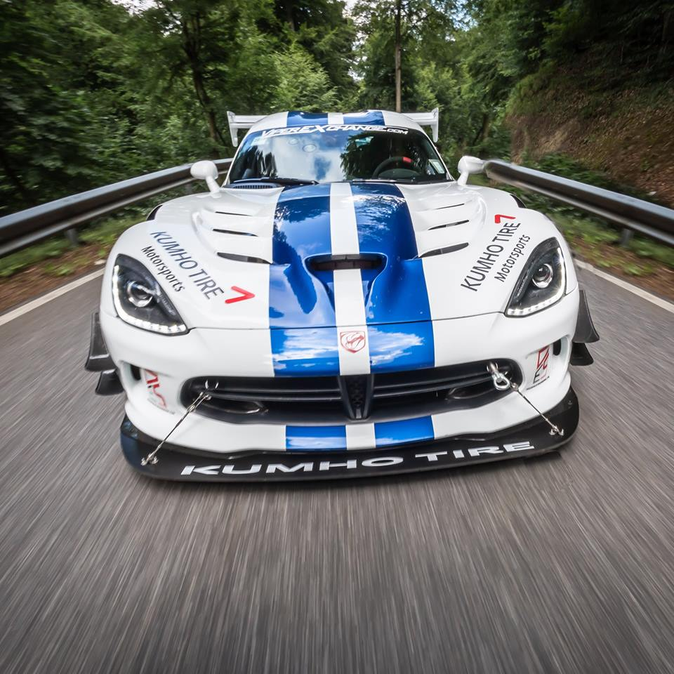 Dodge Viper ACR Sets 7:03.45 Lap At Nurburgring